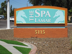 Sign+at+Spa+Lamar
