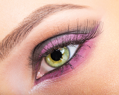 Green+eyes+with+dominant+gold+flecks+and+violet+eye+shadow