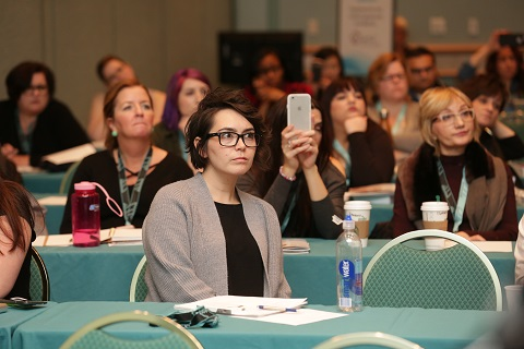 An attendee at Face & Body Midwest